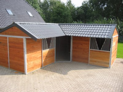 Stal constructiebedrijf dekker foto album for Te koop woning met paardenstallen